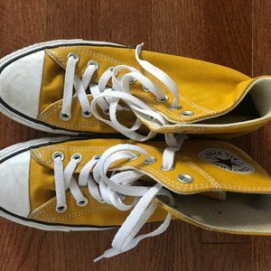 Womens Size 9 Chuck Tailor Converse
